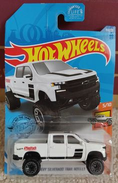Hot Wheels Case, How To Draw Anime Eyes, Chevy Silverado, Diecast, Automobile, Cars, Activity Toys, Scale Model Cars, Pickup Trucks