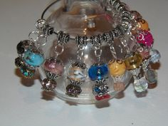 '6 Hot Air Balloons charms' is going up for auction at 10am Sat, Aug 10 with a starting bid of $5.