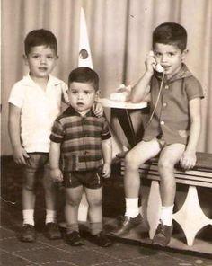 Ao telefone com os manos Walmir e Wander. (deve ser 1965) Campo Mourão/PR