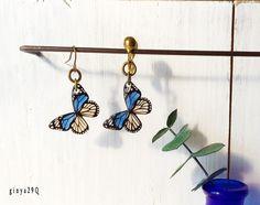 蝶のぶら下がり片耳ピアス&イヤリング