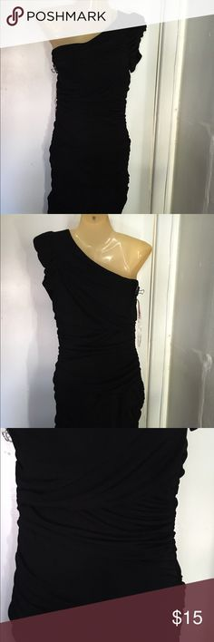Little black dress ❌Good condition ❌worn only twice  ❌no stains ❌no holes Forever 21 Dresses One Shoulder