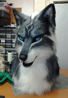 clockworkcreature:  Zilven is finished! I will take better photos without the camera flash ASAP.