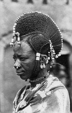 Africa | Fulani woman. Niger || Vintage postcard; collection G. Labitte. Date 1955