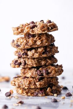 These cookies are wholesome enough for breakfast, yet delicious enough for dessert! Gluten, dairy, and refined sugar free, plus vegan friendly too! Vegan Snacks, Healthy Snacks, Vegan Recipes, Cookie Recipes, Healthy Deserts, Healthy Muffins, Banana Recipes, Healthy Dishes, Vegan Sweets