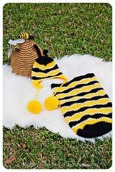 Ravelry: Buzzy Bumble Bee Newborn Photography Prop Set pattern by Melanie Padron @melissa johns