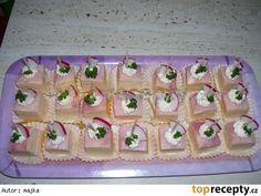 Bruselské řezy Pasta Salad, Party Time, Holiday Decor, Cake, Ethnic Recipes, Crab Pasta Salad, Mudpie, Noodle Salads, Cheeseburger Paradise Pie