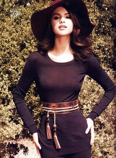 """Selena Gomez in Altuzarra top and pants, Gucci belt, and Scala Pronto hat for """"Elle Mexico."""" Courtesy of """"Elle Mexico"""" Selena Gomez Fashion, Selena Gomez Fotos, Selena Selena, Style Selena Gomez, Selena Gomez Pictures, Selena Gomez Daily, Looks Style, My Style, Elle Mexico"""