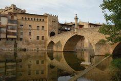 Valderrobles #Teruel > Pont de Pedra sobre el Matarranya i façana posterior de la Casa de la Vila