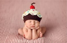 DELICIOUS CUPCAKE HAT - Baby - Newborn - photo prop - wool/ acrylic - Made To Order