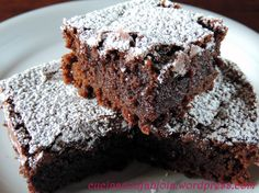 """Brownies: che Goduria!! Quadrotti di torta al cioccolato dal cuore """" pastoso e denso """"  http://cucinaconfabiola.wordpress.com/2014/05/09/brownies-che-goduria/#more-125"""