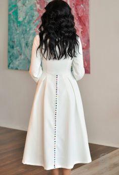 Белое платье-миди с вышивкой Aliasstudio | Платья | Небанальные наряды