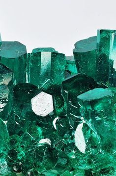 """cherry-and-also-bomb: """" ✡❀✟ vintage/grunge etc. Dark Green Aesthetic, Mean Green, Slytherin Aesthetic, Green Wallpaper, Emerald Stone, Emerald Gem, Design Graphique, Crystals And Gemstones, Black Crystals"""