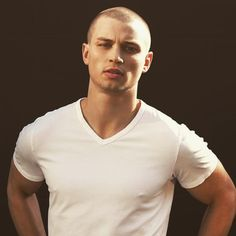 nice 45 Exquisite Shaved Head Styles - Bold And Brave Bold Haircuts, Haircuts For Men, Bald Head Man, Shaved Head Styles, Bold Fashion, Mens Fashion, Bald Men Style, Skin Head, Best Shave