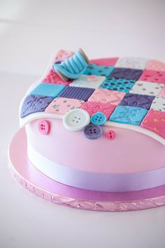 """Quilt cake by """"Cupcakes are my new love"""""""