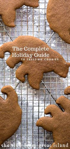 Complete Holiday Guide to Freezing Cookies ~ best tips and tricks so you can enjoy more of your holidays inside and outside of the kitchen! Chocolate Marshmallow Cookies, Chocolate Chip Shortbread Cookies, Toffee Cookies, Spice Cookies, Sweet Cookies, Yummy Cookies, Sugar Cookies, Sweet Treats, Frozen Christmas