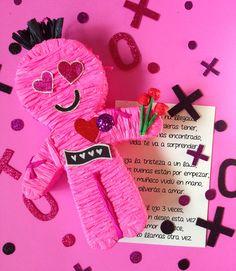 The Hex Doll / Anti San Valentines Day / Voodoo Doll / I hate valentines day / Party Ideas / Muñeco Vudu / Fiesta de San Valentin / piñata / pinata