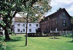 En avez-vous assez de la ville ? Désirez-vous vous installé à la campagne ? Voici une maison qui pourra vous intéressé : http://www.ooservices.fr/petites-annonces/vente-appartement-maison+Aubin-Saint-Vaast+Nord-Pas-de-Calais/maison-de-caract%C3%A8re-625-m%C2%B2/lid:8873