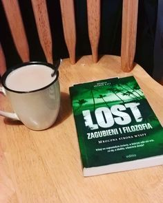 male rzeczy moga dac wiele #coffee #coffeetime #books #lost #losty #zagubieni #relax #thursday #reading #ksiazka by leverpk