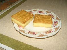 Kekszes pudingos süti - Sütemény receptek Tiramisu, Waffles, Muffin, Breakfast, Ethnic Recipes, Food, Morning Coffee, Essen, Waffle