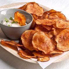 #Homemade potato chips: easy and taste way better than store-bought! #chips #superbowl