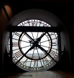 Le musée d'Orsay avec des enfants - Avenue Reine Mathilde Parisian, Muse, Tea Pots, Train Stations, Clocks, Phones, Destinations, France, Blog