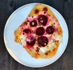 clubzimmer: Pizza mit Roter Bete & Ziegenkäse