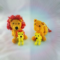 "Here comes a new free crochet pattern from my series ""animal with kid"". This time I designed a lion father with his teenage son for my wildlife-mobile-project. Best about this amigurumi…"
