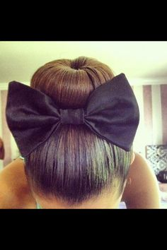Find images and videos about hair, black and hairstyle on We Heart It - the app to get lost in what you love. Bun Hairstyles, Pretty Hairstyles, Straight Hairstyles, Cheer Hairstyles, Perfect Hairstyle, No Bad Days, Corte Y Color, About Hair, Hair Dos