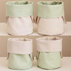 REVERSIBLE BUCKETS - light green linen