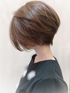 Pin on hair cuts short Pin on hair cuts short Short Hairstyles For Thick Hair, Girl Short Hair, Short Hair Cuts, Bob Hairstyles, Hairstyles Videos, Korean Short Hair, Shot Hair Styles, Haircut And Color, Asian Hair