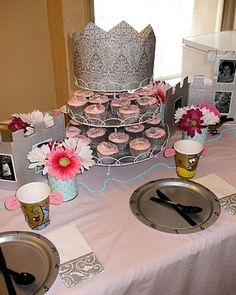 Cinderella Birthday Party (I like the hand drawn mouse cups and clock plates)