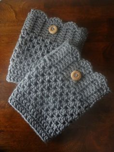 Boot Cuffs http://fivemessybabies.com/2013/09/25/hooked-on-crochet-mug-cozy-and-boot-cuffs/