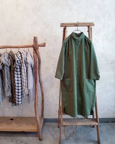 Beautiful green round collar long shirt. #new #longshirt #tunic #green #2colours #cotton #spring #comfy #simple #style #design #fashion #toolz #melbourne #clothing #shop #collingwood #メルボルン #春