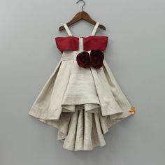 Baby Girl Party Dresses, Kids Outfits Girls, Little Girl Dresses, Kids Dress Wear, Kids Gown, 4 Year Girl Dress, Girls Frock Design, Baby Dress Design, Baby Frocks Designs