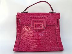 GUESS CROCO HANDTAS IN DARK PINK € 75,00  Shop @ http://www.fifthavenuefashion.be/nl/detail_345.aspx#ad-image-ctl00_ContentPlaceHolder1_ucPageManager_ctl00_rptPictures_ctl00_lnk