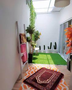 Home Room Design, Home Design Plans, Home Interior Design, Minimalist House Design, Minimalist Home, Small Balcony Decor, Prayer Room, Interior Garden, Home Decor Furniture