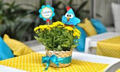 Decoration for guinea fowl party Chicken Coop Decor, Rubber Ducky Baby Shower, Barnyard Party, Childrens Party, Special Day, First Birthdays, Party Themes, Birthday Parties, Crafty