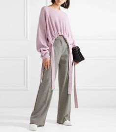 5 Fashion Trends to Retire Now : Stella McCartney Gathered Asymmetric Ribbed Cashmere and Wool-Blend Sweater Bad Fashion, Fashion 2017, Latest Fashion Trends, Womens Fashion, Runway Fashion, Pullover Mode, Jamel, Asymmetrical Sweater, Mode Chic