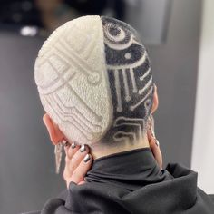 Creative Hairstyles, Cool Hairstyles, Shaved Head Designs, Dyed Hair Men, Curly Hair Styles, Natural Hair Styles, Buzzed Hair, Shave My Head, Hair Tattoos