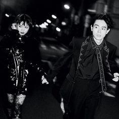 本日5月28日土発売のVOGUE JAPAN7月号では菅田将暉と二階堂ふみの夢が実現 ファションへの情熱を共有し同じ服を購入したりもするというふたりゲッタウェイ逃避行をテーマにしたファッションストーリーの撮影舞台裏はプロフィールのリンクからチェックして VOGUE JAPAN July issue is out today! Don't miss the fashion story 'THE GATAWAY' modeled by @fumi_nikaido #sudamasaki Click the link in our bio to see the making movie. Photo by @jirokonami Styled by @rena_semba Hair & Makeup by #azuma @ikukoshindo #voguejapan #julyissue by voguejapan