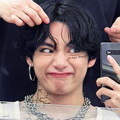 Kim Taehyung, Bts Bangtan Boy, Bts Boys, Bts Jungkook, Namjoon, Hoseok, Foto Bts, Bts Photo, Daegu