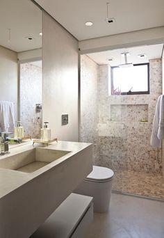 Lindo banheiro em tons neutros (881×1280)