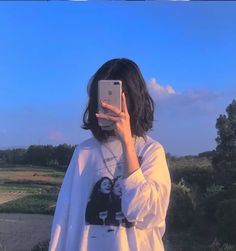 Korean Girl Photo, Cute Korean Girl, Cute Girl Photo, Korean Aesthetic, Aesthetic Photo, Aesthetic Girl, Cool Girl Pictures, Girl Photos, Profile Pictures Instagram