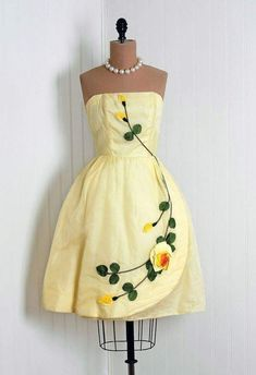 Party Dress: taffeta and sheer silk organza overlay, floral appliqued bodice and skirt, sculpted tulle-lined full skirt. Change the color but keep details. 50 Fashion, Fashion History, Retro Fashion, Vintage Fashion, Womens Fashion, Club Fashion, Dress Fashion, Vintage Wear, Vintage Dresses