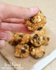 These no bake granola bar bites are simple to make and make the perfect healthy snack - w/almond butter?