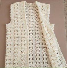 Best 9 Crochet Poncho Top Pattern, Poncho Top Pattern, Crochet Poncho with sleeves, Crochet Poncho Pattern – SkillOfKing. Crochet Poncho With Sleeves, Crochet Poncho Patterns, Crochet Jacket, Crochet Cardigan, Baby Knitting Patterns, Knit Crochet, Filet Crochet, Diy Crafts Knitting, Diy Crafts Crochet