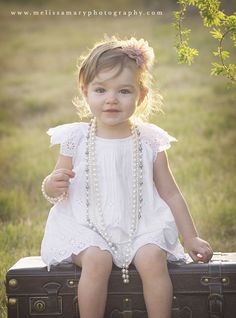 family photography, kids, child photography, vintage photography, vintage pearls, toddler photography, outdoor photography, natural photography  http://www.melissamaryphotography.com
