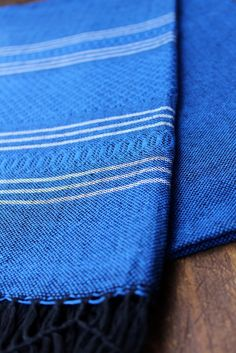 SURFING THE WAVES REBOZO