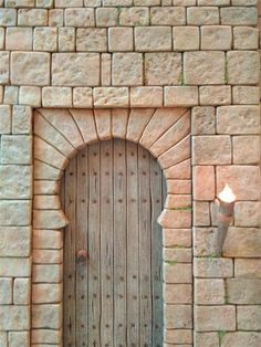 emilio m belenista Styrofoam Art, Hotel Boutique, Hirst Arts, Asian House, Arch Doorway, Garage Door Design, Miniature Crafts, Fairy Doors, Wood Lamps