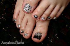 Rock n Bling Artificial Toenail Art - Nail Art Designs Simple Toe Nails, Cute Toe Nails, Toenail Art Designs, Pedicure Designs, Pedicure Ideas, Pedicure Nail Art, Toe Nail Art, Wedding Nails Design, Beautiful Toes